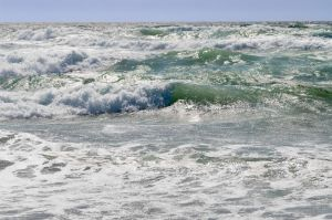 800px-ocean_waves/photo by Sean O'Flaherty