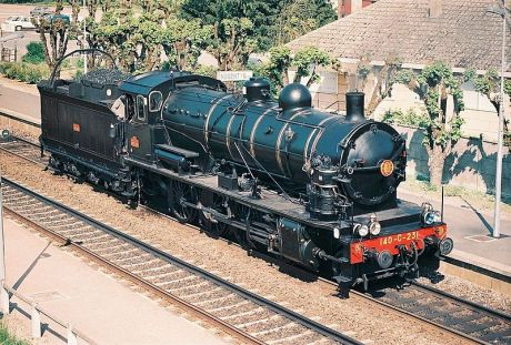 French steam locomotive