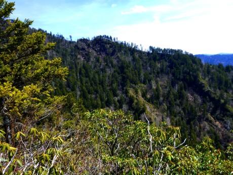 Fishtail Ridge has some interesting exposed rock.