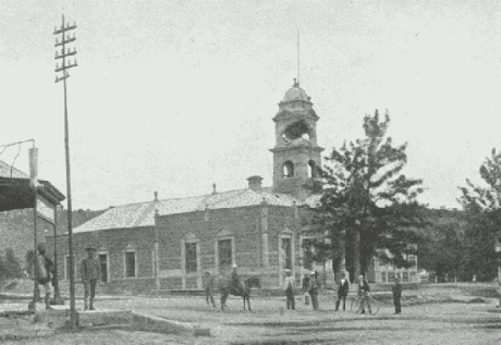 Shell damage to Ladysmith town hall.