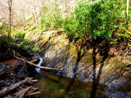 Slanting Anakeesta strata along the stream.
